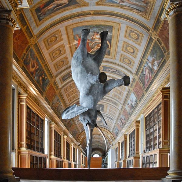 Fizik kanunlarını çiğneyen 13 heykel