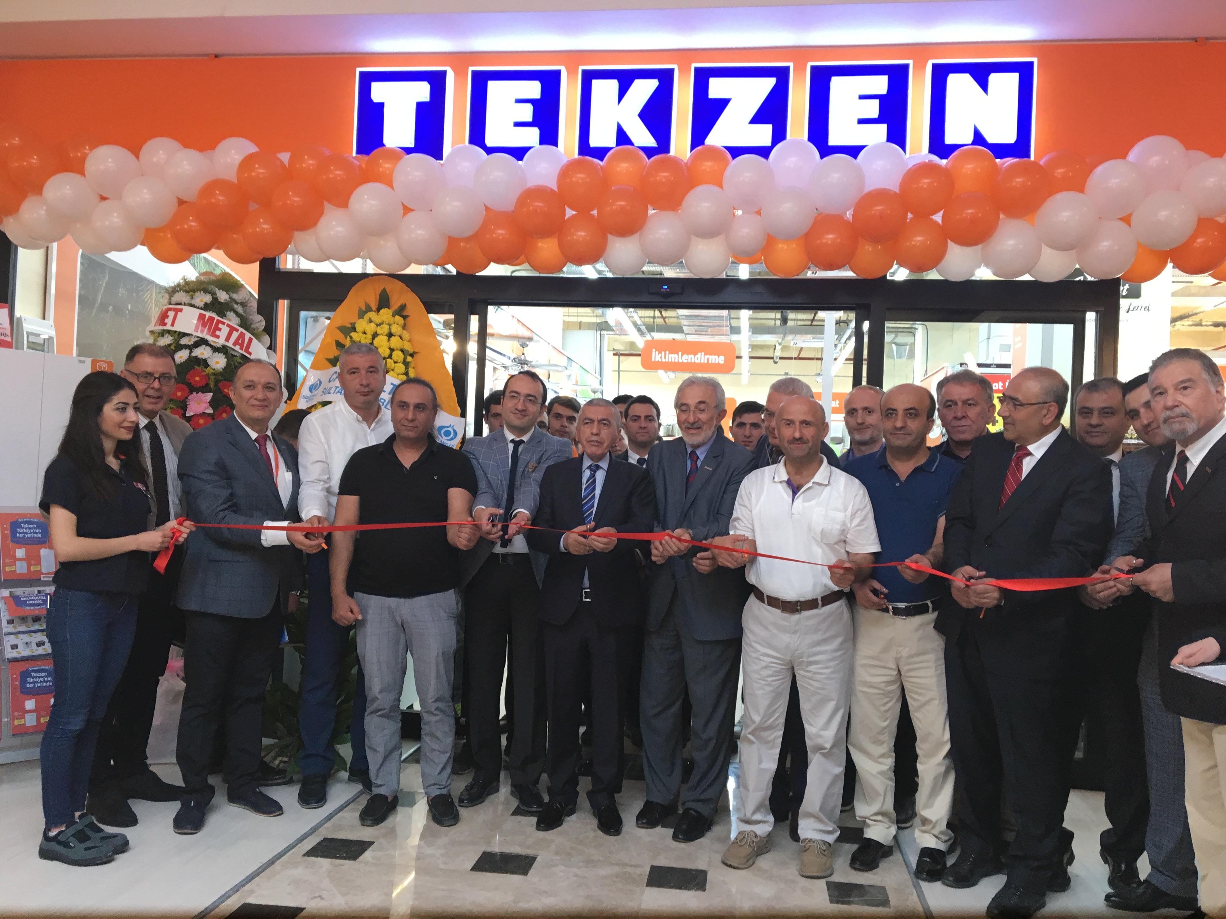 Tekzen'in İstanbul'daki 14. mağazası Sultangazi'de açıldı