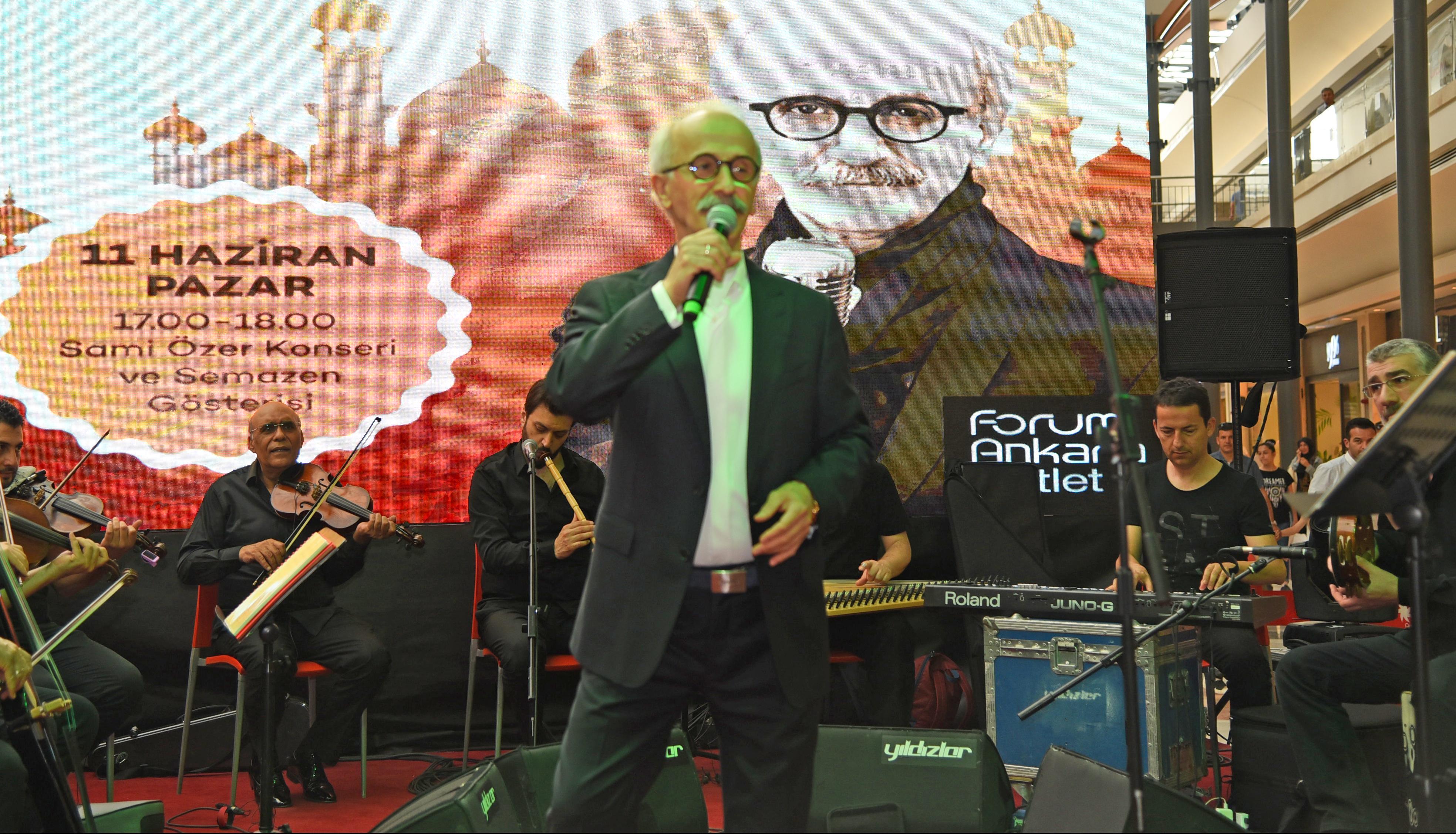 Forum Ankara AVM'nin özel konuğu Sami ÖZER oldu