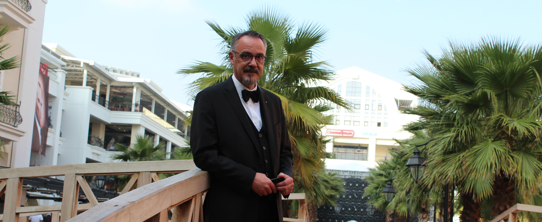 """Vedat Özeren: """"İzmir'de alışılagelmişin dışında aktiviteler organize ederek farklılık yaratmayı amaçlıyoruz."""""""