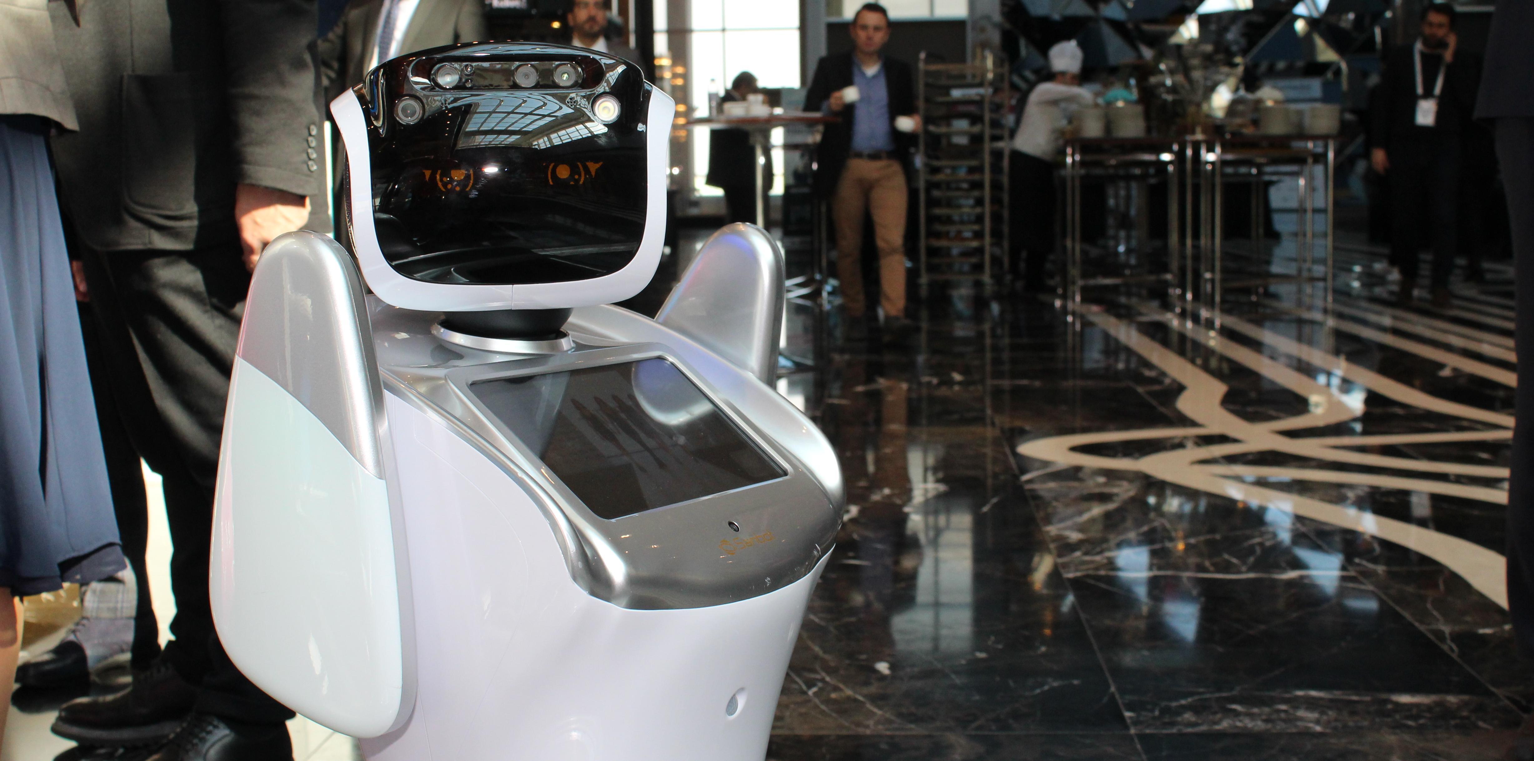 Sanbot Robot  X. AVM Yatırımları Konferansı'nın yıldızı oldu