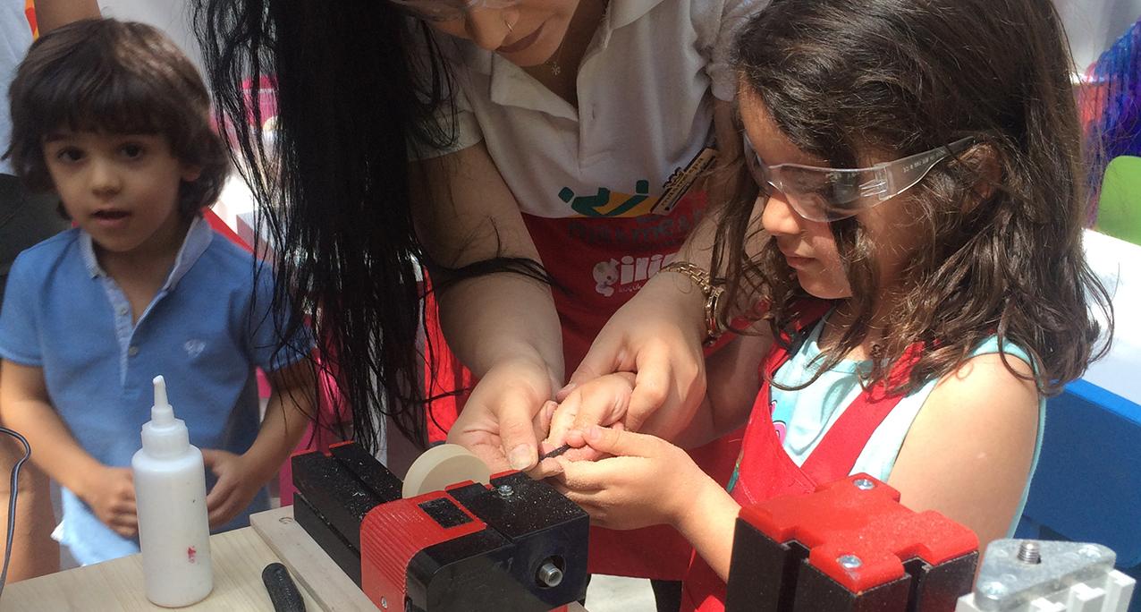 Çocuklar Bilkent Center'da Topaç Yapmayı Öğrendi