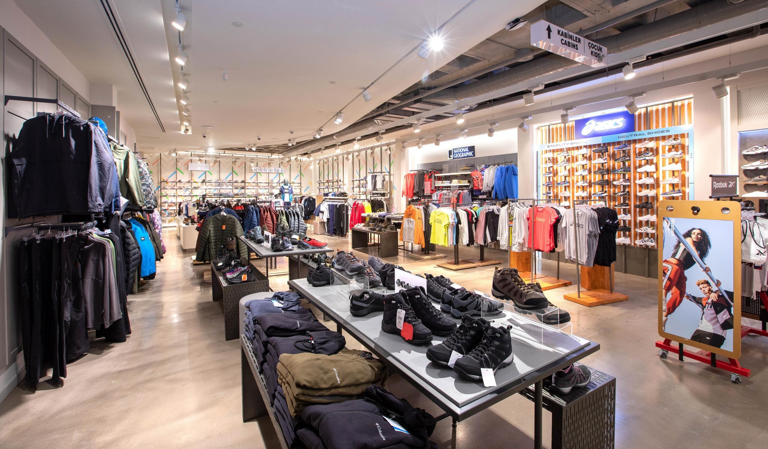 Boyner, İstiklal Caddesi'nde 5 katlı yeni mağazasını açtı BOYNER, İSTİKLAL'İN YENİ BULUŞMA NOKTASI OLACAK